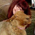 Martina ist Schafpatin von Schafbock Michl!