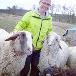 Matthias Budig mit Lackl und Paul vom Live and let live Tierschutz Schwaigern.